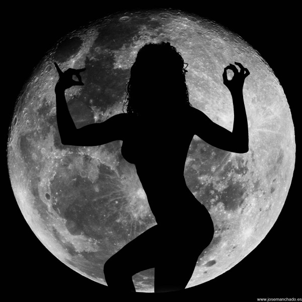 Moon_dance_2_by_josemanchado
